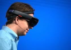 ឧបករណ៍ HoloLens របស់ក្រុមហ៊ុន Microsoft ដាក់ឱ្យធ្វើការបញ្ជាកម្មង់ទិញបានហើយពេលនេះនៅទ្វីបអ៊ឺរ៉ុប