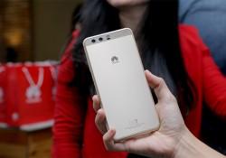ក្រុមហ៊ុន Huawei បង្ហាញកំពូលស្មាតហ្វូនកាមេរ៉ាភ្លោះ P10 និង P10 Plus ជាលើកដំបូងនៅកម្ពុជា សំរាប់អ្នកសារព័តមានធ្វើតេស្ត៍សាកល្បងមុននិងសម្ពោធជាផ្លូវការឆាប់ៗនេះ