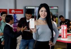 Huawei Nova 2i បង្ហាញវត្តមានជាលើកដំបូងនៅក្នុងប្រទេសកម្ពុជា ជាមួយនឹងតារាបង្ហាញម៉ូត និងសារព័តមានជាច្រើនរូប