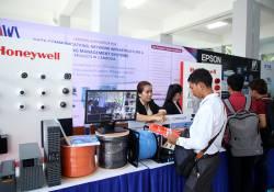 ក្រុមហ៊ុន AWS (CAMBODIA) បានចូលរួមដាក់តាំងបង្ហាញផលិតផលអេឡិចត្រូនិច និងព័ត៍មានវិទ្យានៅក្នុងកម្មវិធី ' BarCamp ASEAN 2017