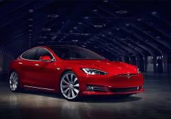 Elon Musk ស្ថាបនិកក្រុមហ៊ុន Tesla បានបញ្ជាក់ថា រថយន្ត Model 3 ចំនួនពីរម៉ូដែល នឹងបង្ហាញខ្លួននៅខែកក្កដាខាងមុខនេះ