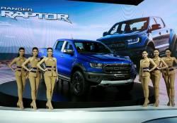 ក្រុមហ៊ុន Ford បង្ហាញនូវសមត្ថភាពរបស់រថយន្ត Ranger Raptor ធៀបជាមួយនឹងរថយន្ត Ranger Wildtrak