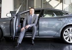 លោក Elon Musk បានជួលក្រុមអ្នកអភិវឌ្ឍវីដេអូហ្គេម អោយបង្កើតហ្គេមសម្រាប់លេងនៅរថយន្ត Tesla របស់ខ្លួន