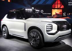 ក្រុមហ៊ុន Mitsubishi បានបញ្ចញនូវរថយន្តស៊េរីថ្មី Outlander 2020 ជាមួយនឹងការឌីស្សាញរូបរាងយ៉ាងទាក់ទាញបំផុត
