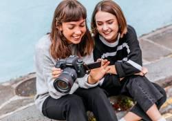 Canon EOS 6D Mark II គឺជាប្រភេទកាមេរ៉ា Full Frame ដែលមានសមត្ថភាពខ្លាំង និងមុខងារពិសេសៗបំផុត
