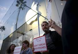 បែកធ្លាយព័ត៌មានថ្មីៗនេះថា ស្ថាប័ន FBI របស់អាមេរិក បានលួចចូលក្នុងទូរស័ព្ទ iPhone 11 ដែលបានធ្វើអោយមានការបារម្ភ