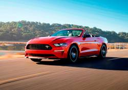 Ford Mustang ដែលជារថយន្តស្ព័រលក់ដាច់បំផុតនៅក្នុងសហរដ្ឋអាមេរិក ត្រៀមបង្ហាញខ្លួននូវជំនាន់ថ្មីរបស់ខ្លួនហើយនៅពេលដ៏ខ្លីខាងមុខនេះ