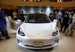 រថយន្ត Tesla Model 3 ទំនើបពេកមិនអាចគ្រប់គ្រងល្បឿនបាន បង្កជាបញ្ហាគ្រោះថ្នាក់បុក និងបណ្តាលអោយឆាបឆេះកើតឡើងនៅក្នុងប្រទេសចិន