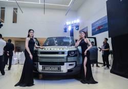 ក្រុមហ៊ុន អ អិម អេ ខេមបូឌា បានប្រកាសសម្ពោធជាផ្លូវការនូវរថយន្ត Land Rover Defender 2020 នៅក្នុងទីផ្សារប្រទេសកម្ពុជាហើយ
